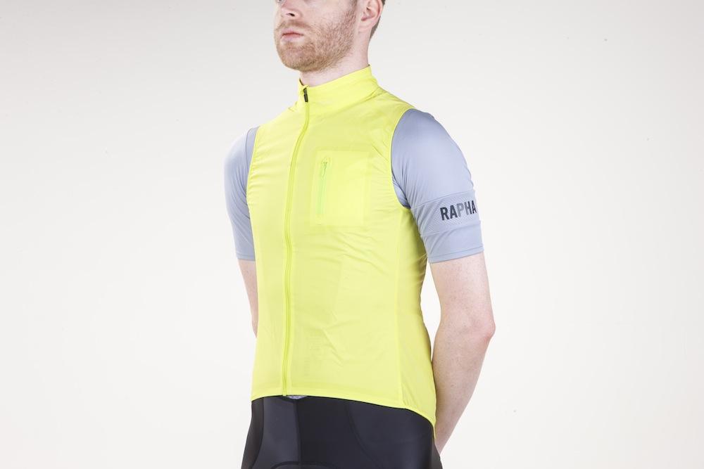 RAPHA Men/'s Yellow Windproof Lightweight Cycling Classic Gilet II Vest M BNWT