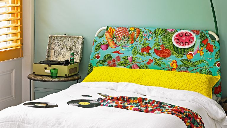 Fruit motif trend, bedhead in colorful bedroom