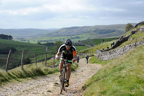 Rob Jebb on Pen-y-ghent, Three Peaks Cyclo-Cross 2010