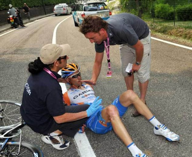 Christian Vande Velde crash Giro stage 3 2009
