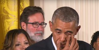 obama crying while denouncing gun violence