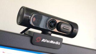 AverMedia PW315 webcam review