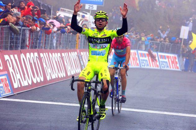 Mauro Santambrogio wins, with Vincenzo Nibali in second, Giro d'Italia 2013, stage 14