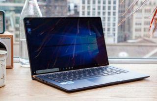 La mejor computadora portátil universitaria por menos de € 1,000: Asus ZenBook UX333FA