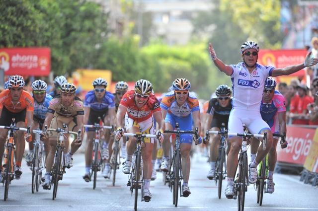 Yauheni Hutarovich wins Vuelta a Espana 2010, stage two