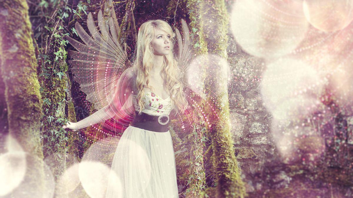Create a fantastical fairytale composite scene in Photoshop CC
