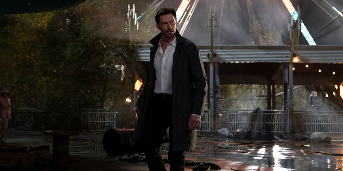 Hugh Jackman in an amusement park in Reminiscence