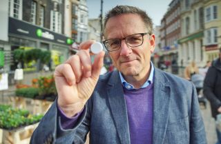 Dr Michael Mosley Addicted To Painkillers? Britain's Opioid Crisis