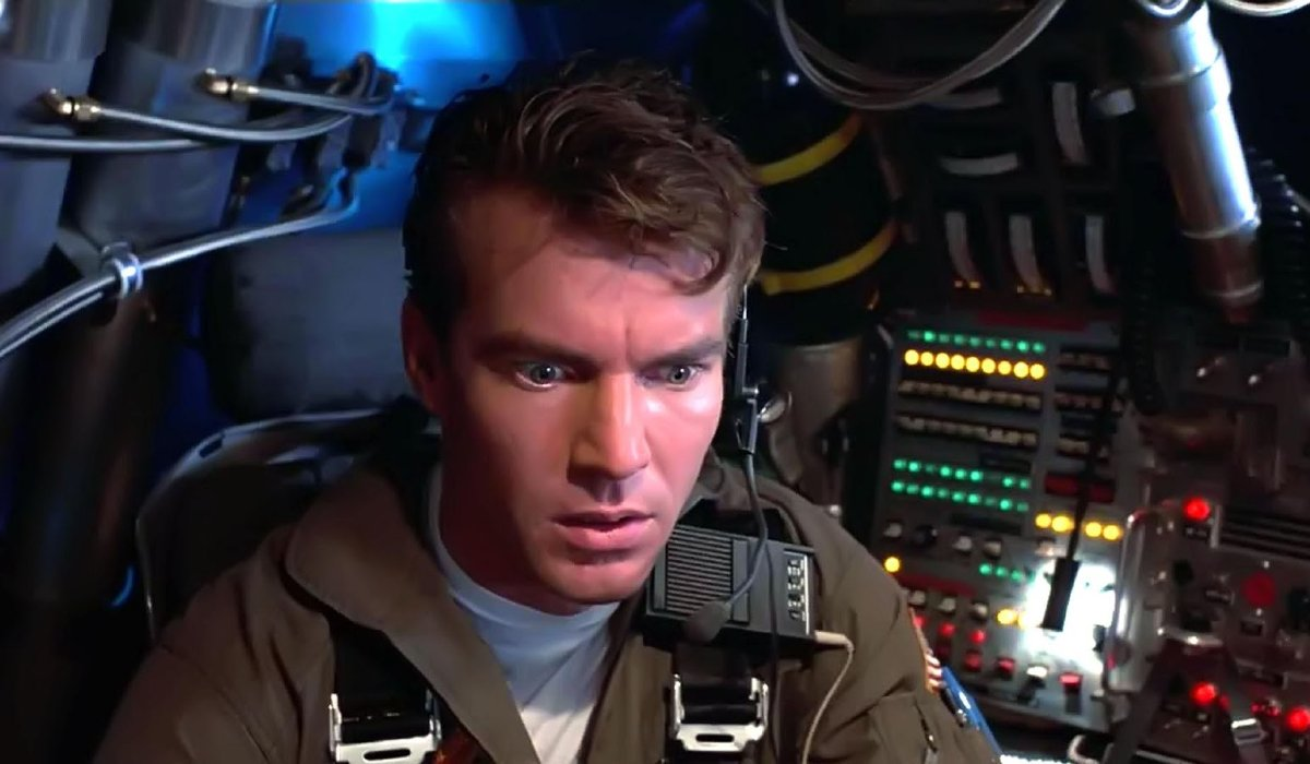 Innerspace Dennis Quaid shocked in his cockpit