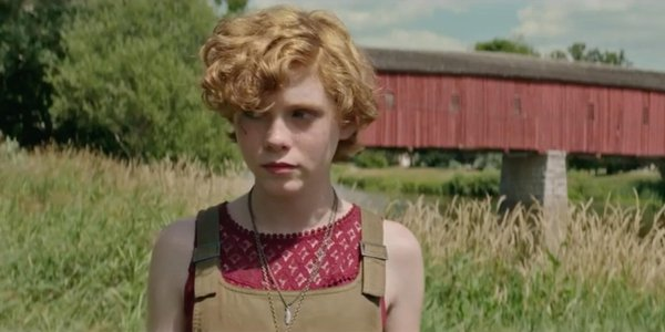 It Sophia Lillis Bev in the fields