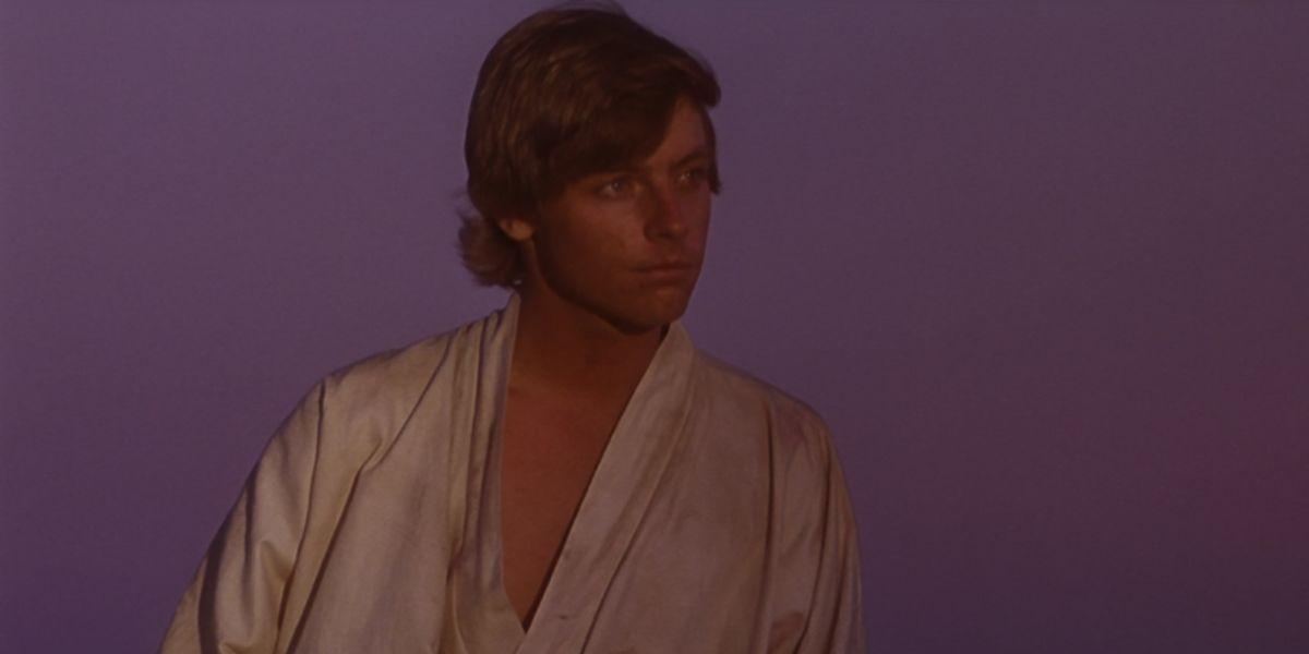 Luke on Tatooine in Star Wars; A New Hope