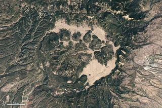 caldera-valles-110525-02