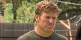 Chip Gaines Shares Behind-The-Scenes Photo From New Season Of Fixer Upper And Ouch