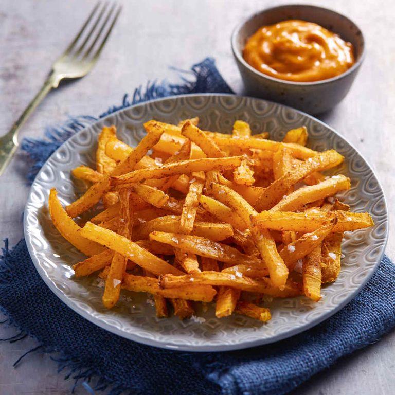 Aldi pumpkin fries with paprika and garlic dip