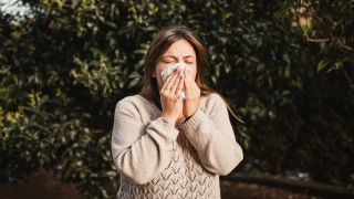 Coronavirus symptoms vs seasonal allergies: an allergist explains how to tell the difference