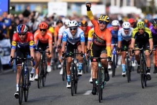 Dylan Groenewegen wins stage 3 of the Volta a la Comunitat Valenciana