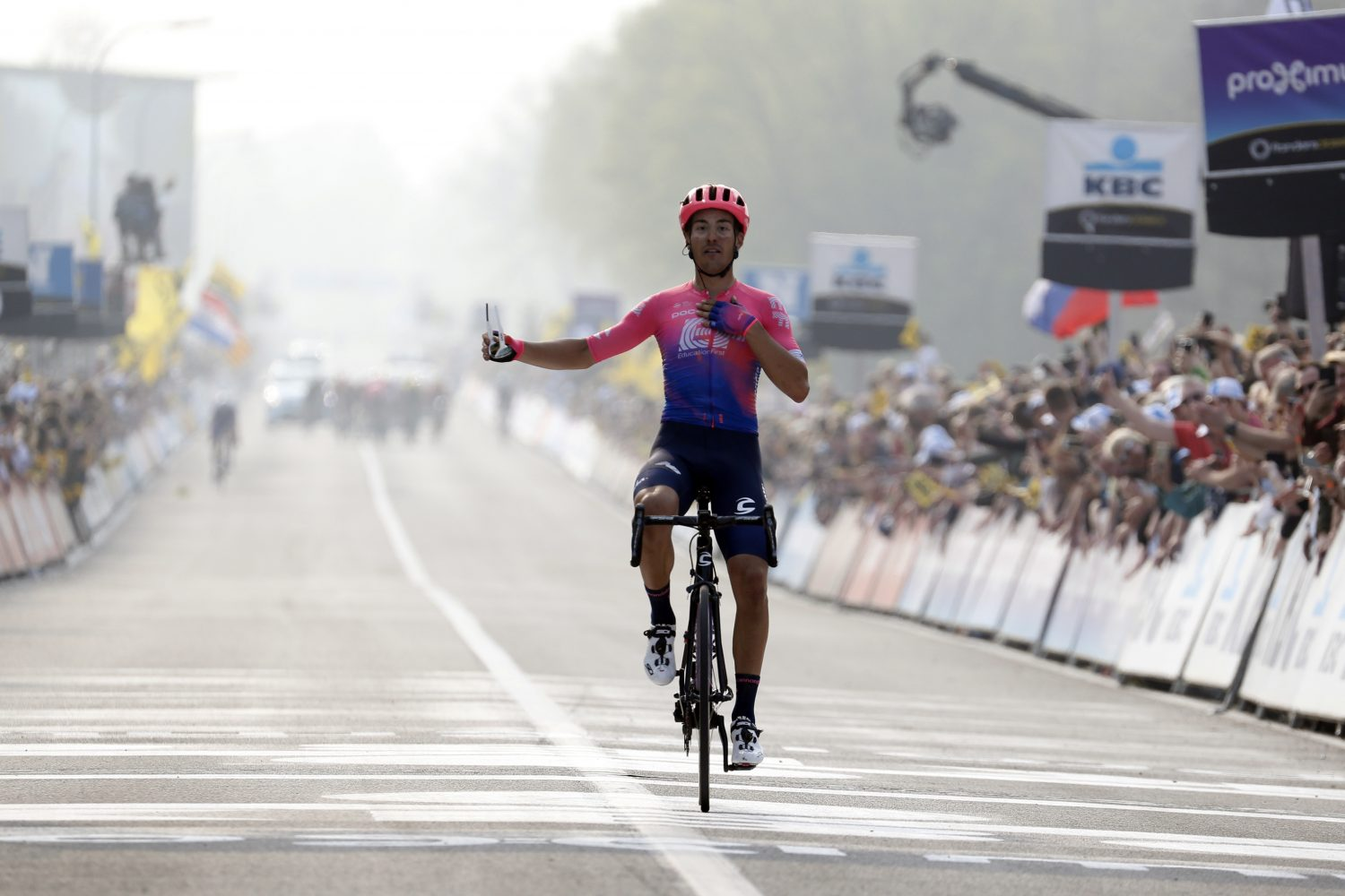 Alberto Bettiol takes first career victory with spectacular solo ride at Tour of Flanders 2019