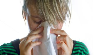 sneeze-woman-tissue-100928-02