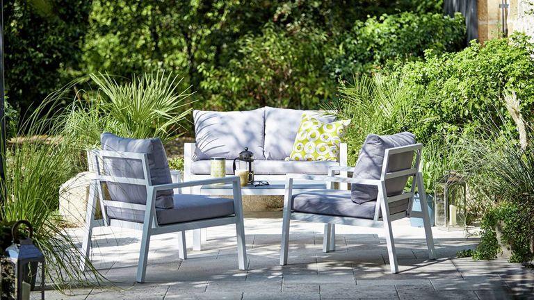 Argos garden furniture: stylish grey set in garden