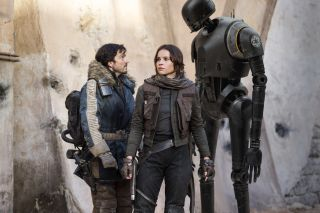 Rogue One: A Star Wars Story..L to R: Cassian Andor (Diego Luna), Jyn Erso (Felicity Jones) and K-2SO (Alan Tudyk)..