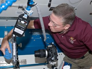 Expedition 29 Mike Fossum