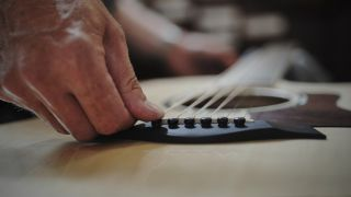 How much difference does your guitar string choice make?