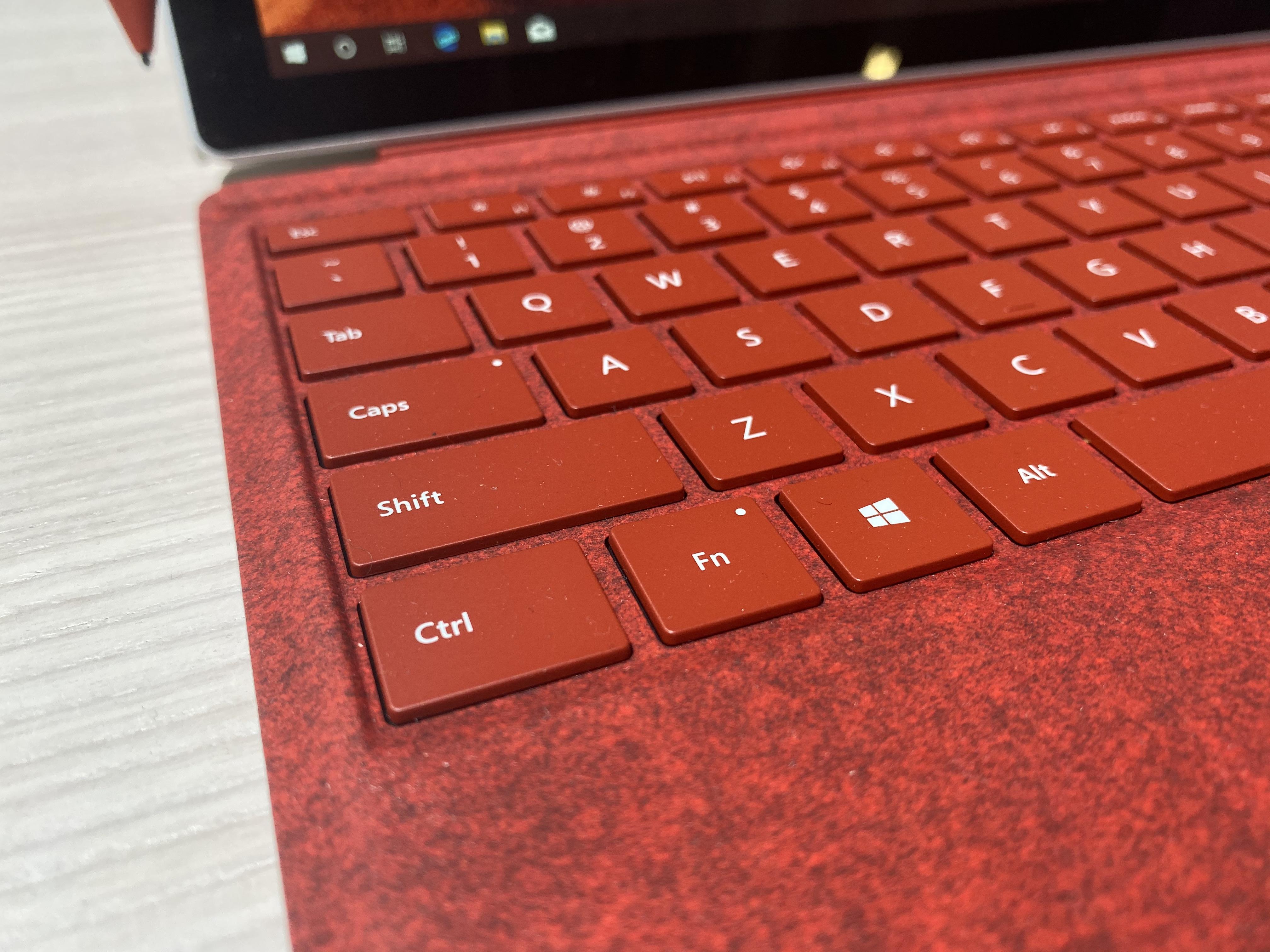 Tastiera rossa per Surface Pro 7