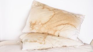 How to wash a pillow