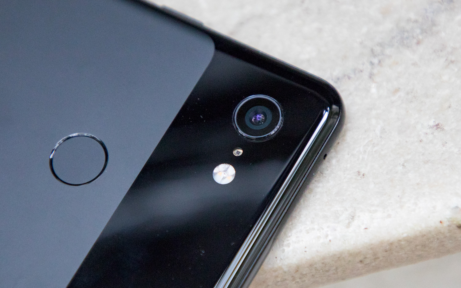 Google Shows Off 20x Zoom Photo, But It's NOT for the Pixel