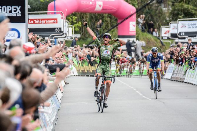 Damien Gaudin wins Tro-Bro Léon ahead of Frederik Backaert.