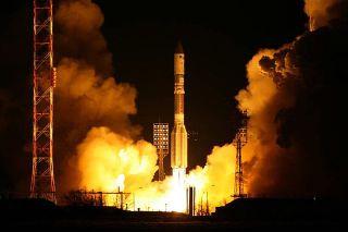 Proton Rocket Sends DirecTV Satellite to Orbit