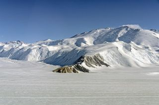 Operation IceBridge over Transantarctic Mountains