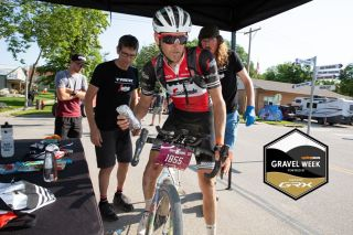 Stetina stopping to grab some food at last year's Dirty Kanza