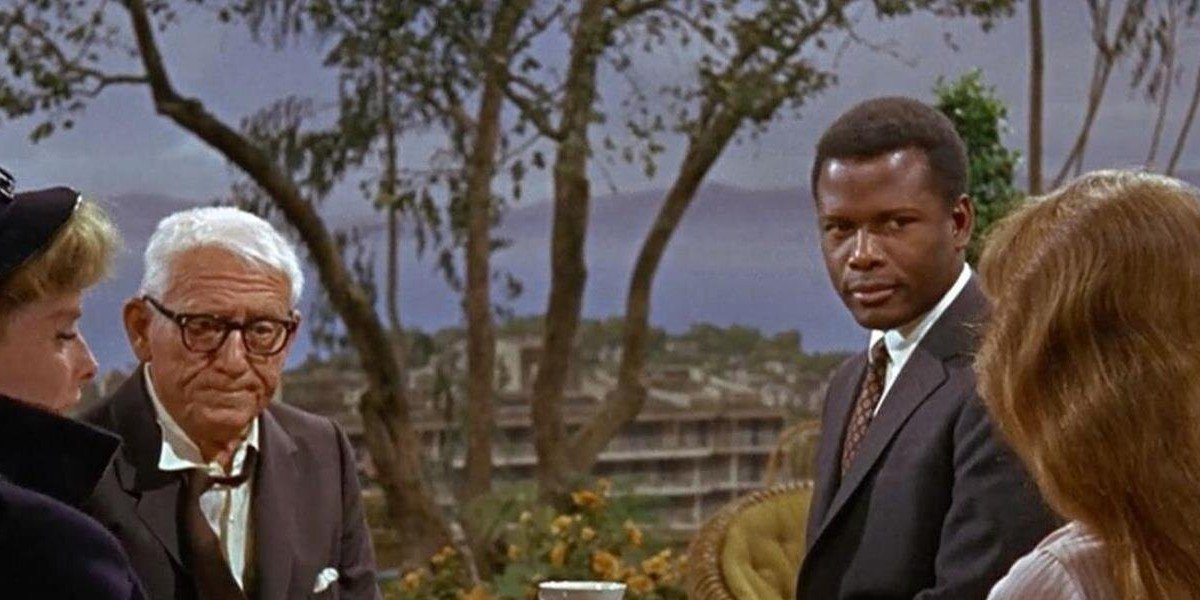From left to right: Katherine Hepburn, Spencer Tracy, Sidney Poitier, and Katharine Houghton