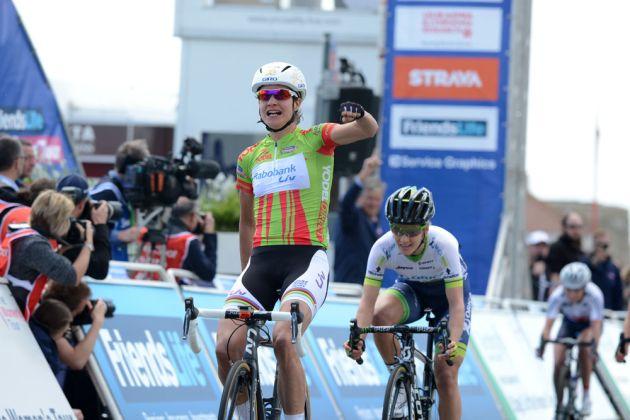 womens-tour-14-st3-Vos-wins