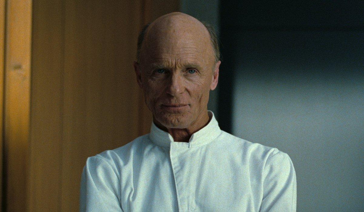 the man in black in white jacket westworld season 3