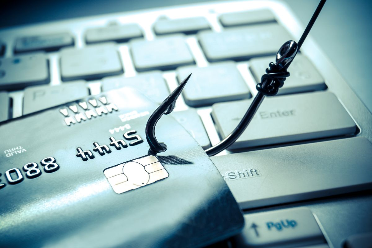 Recognizing the Red Flags of Digital Phishing and Fraud