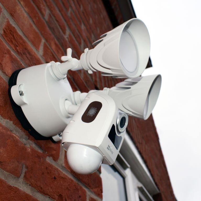 Eviz smart security floodlight camera