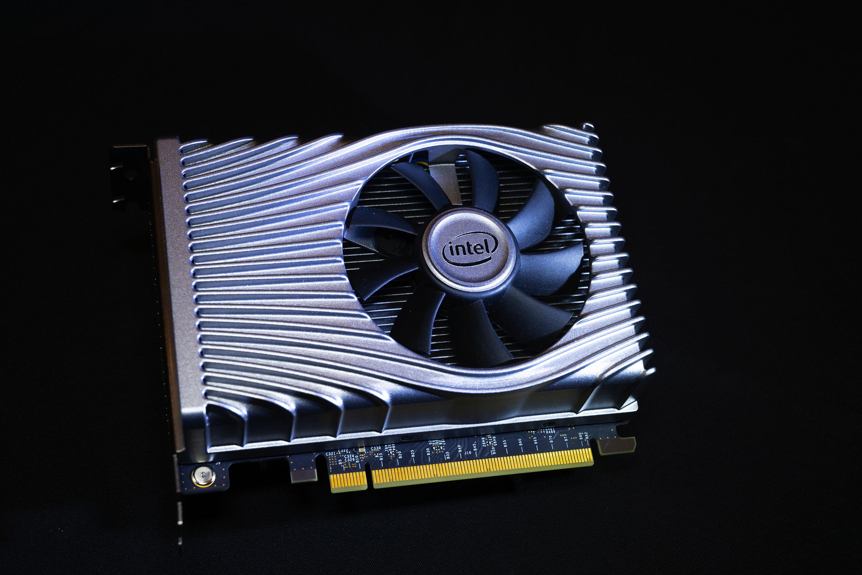 Графический процессор Intel DG1 протестирован, оказался медленнее Radeon RX 550