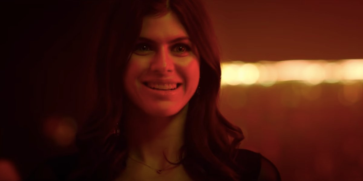 Alexandra Daddario Is Twinning With Jennifer Lopez In Photo Featuring Ben Affeck  And Her Caption Is A