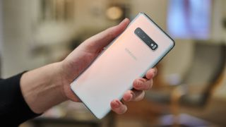 OnePlus 7T Pro vs Samsung Galaxy S10 Plus 3