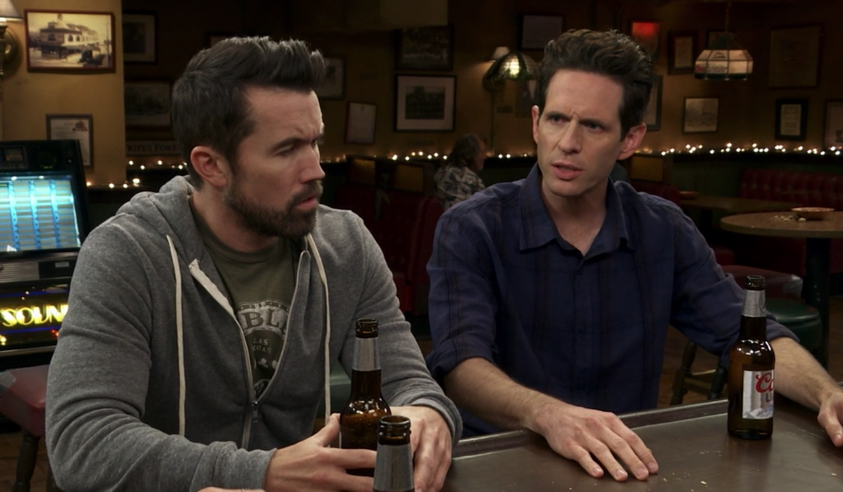 it's always sunny dennis and mac at the bar