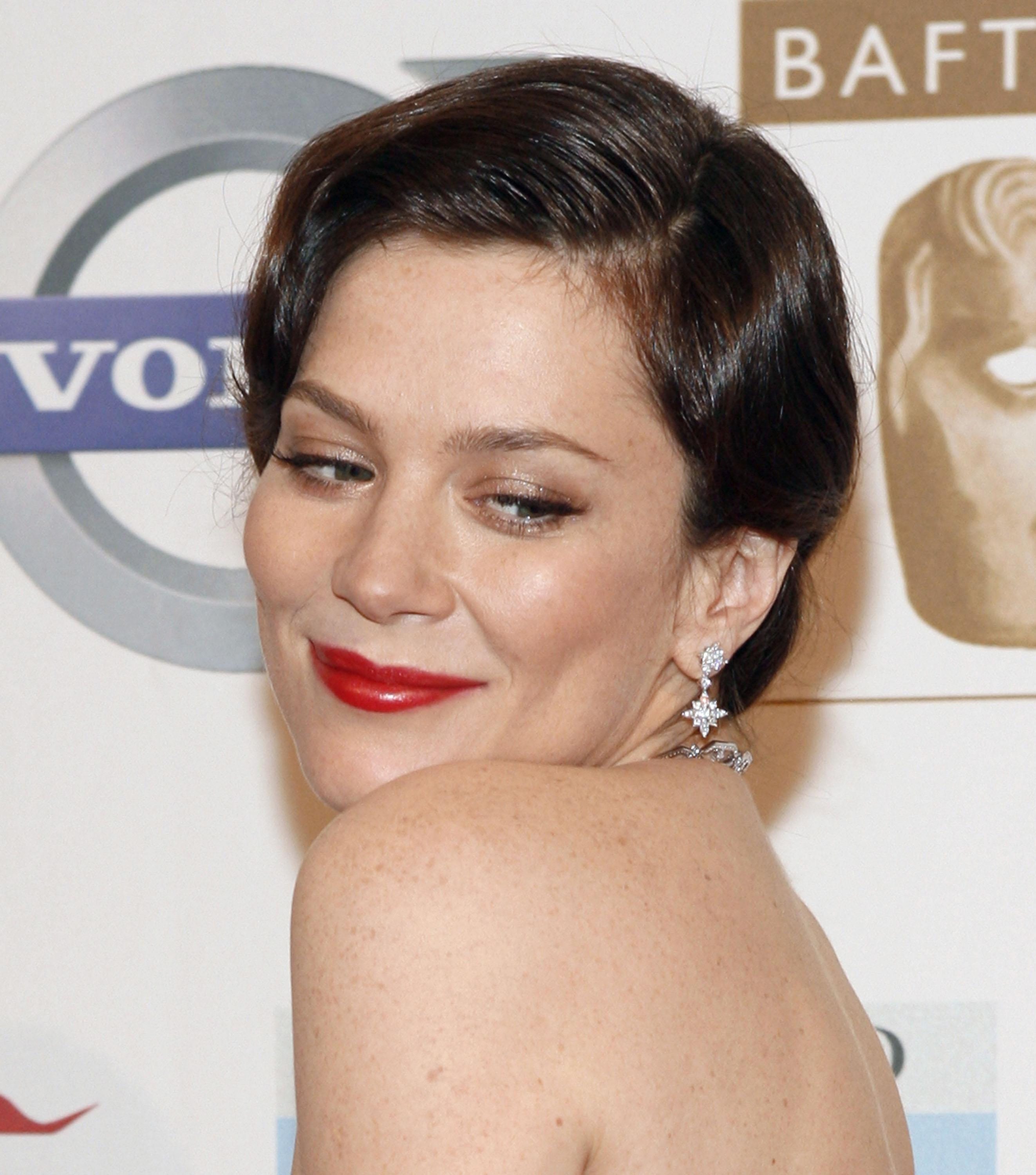 Anna Friel reveals Hollywood pressure on looks