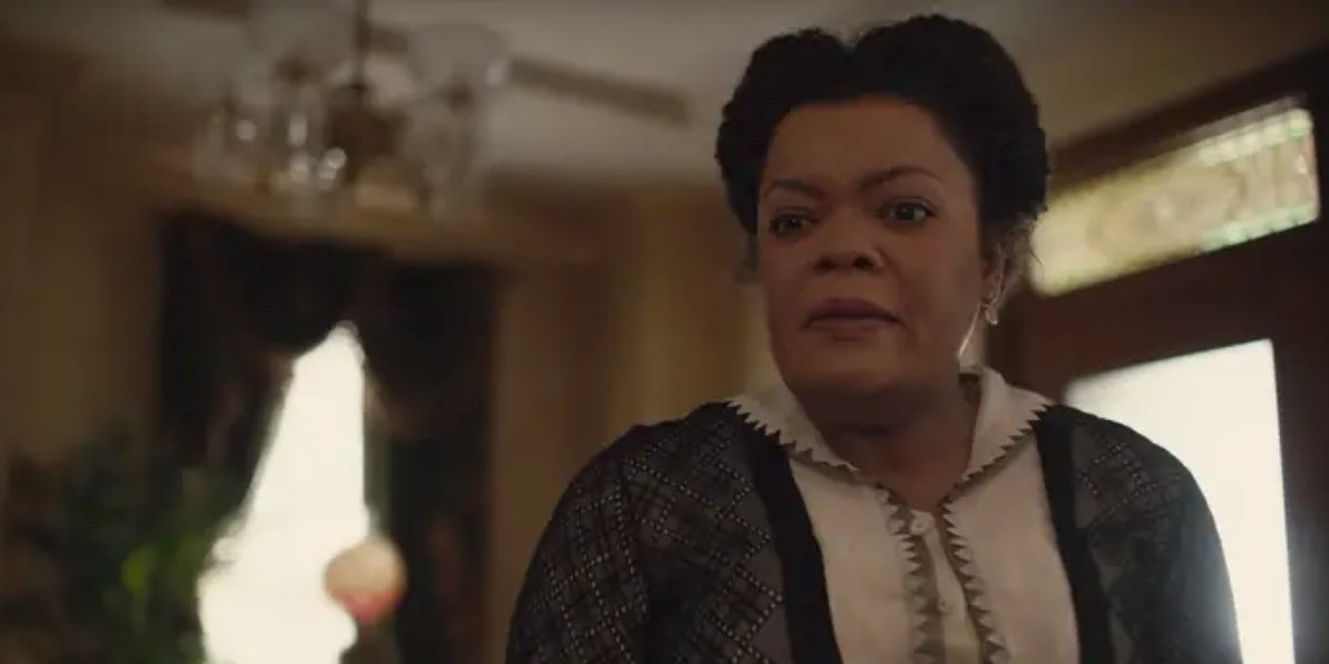 Yvette Nicole Brown in Lady and the Tramp