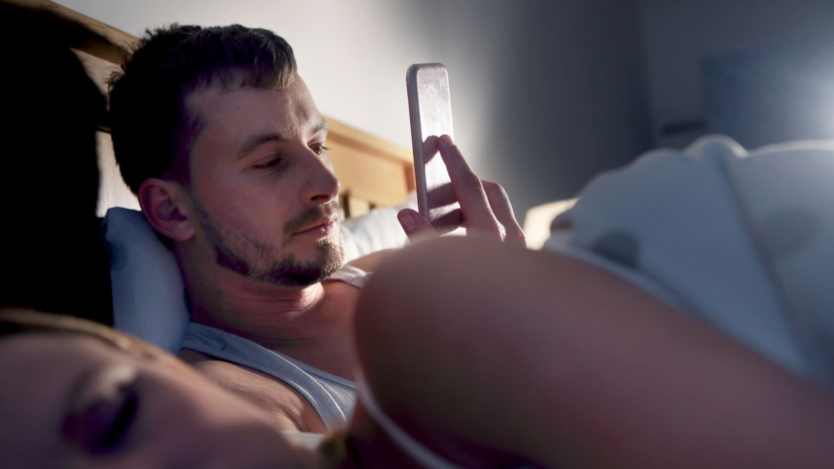 Sleep: One big health reason you need to stop using your phone in bed