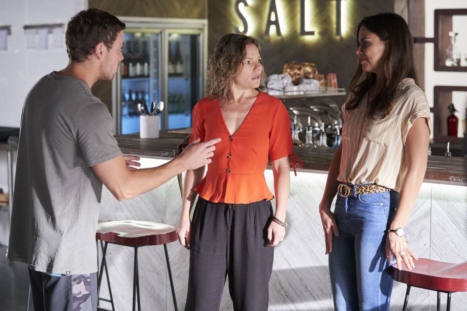 Home and Away, Dean Thompson, Karen Thompson, Mackenzie Booth
