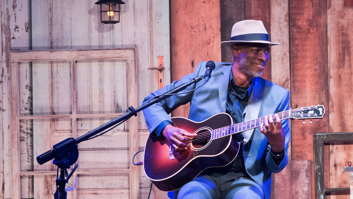 """Keb' Mo': """"The melody is king and the rhythm is king"""" 