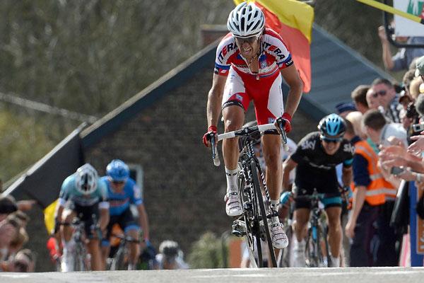 Daniel Moreno wins 2013 Fleche Wallonne