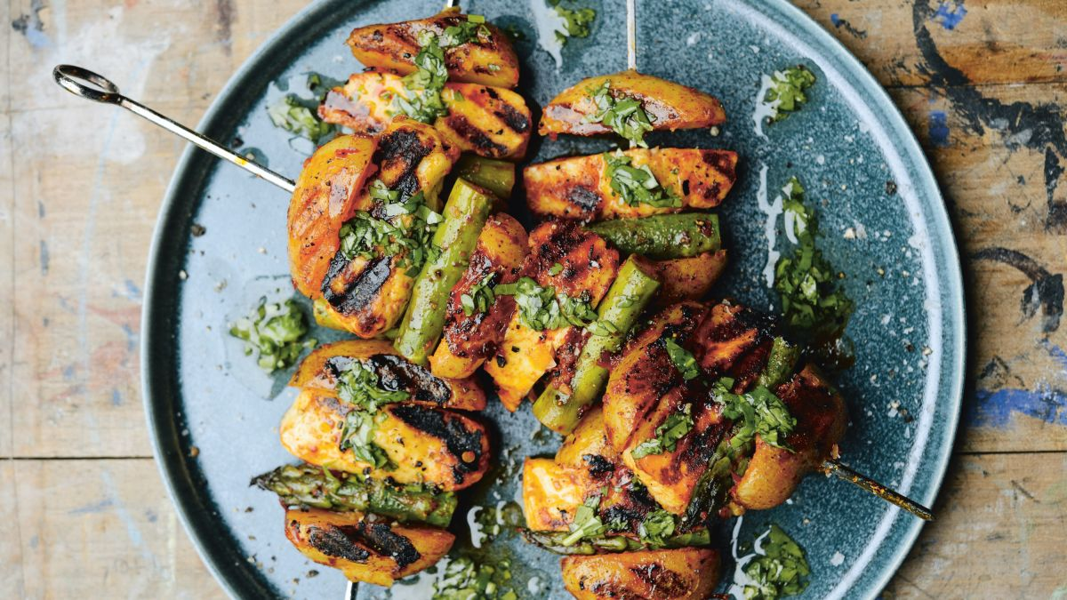 Halloumi and vegetable kebabs recipe: try these BBQ kebabs for a delicious weekend dish