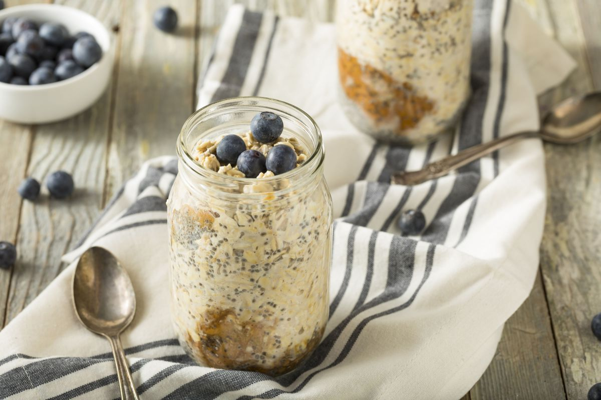 Wake up to overnight oats – weekday breakfasts just got interesting!